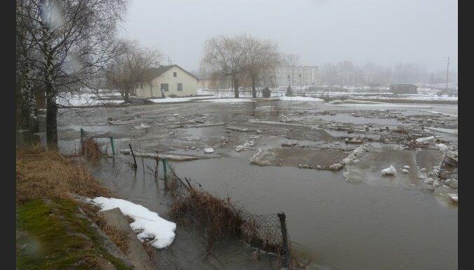 В Лиелупе в черте Елгавы вода прибывает со скоростью 3-5 см в час
