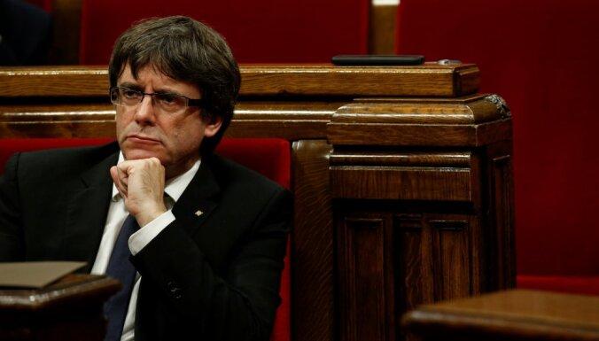 С Пучдемона сняли неприкосновенность. Лидеру каталонских сепаратистов грозит тюрьма в Испании