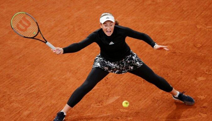Ostapenko Madrides turnīra pirmajā kārtā tiksies ar Kuzņecovu