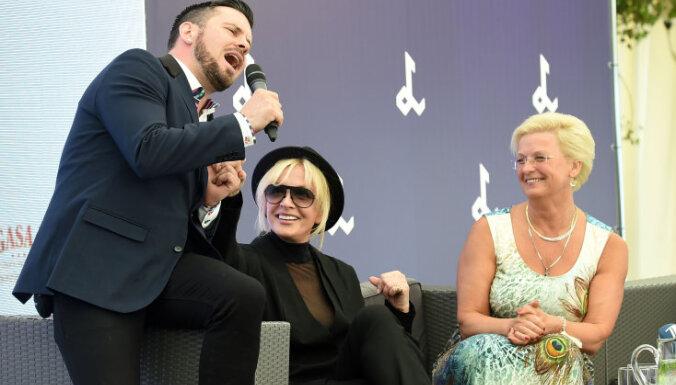 Foto: Zvaigžņotā preses konferencē izziņo Vaikules festivāla viesus