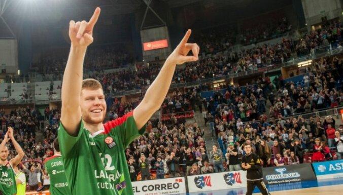"""Латвийский баскетболист впервые за 16 лет сыграет в """"Финале четырех"""" Евролиги"""