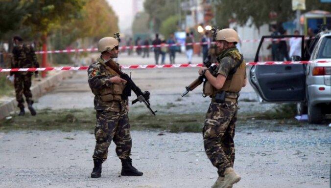 Afgāņu spēkiem jau piekto dienu no Kondozas neizdodas izsvēpēt talibus