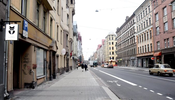 Велополосы на ул. Чака могут сохранить до сентября