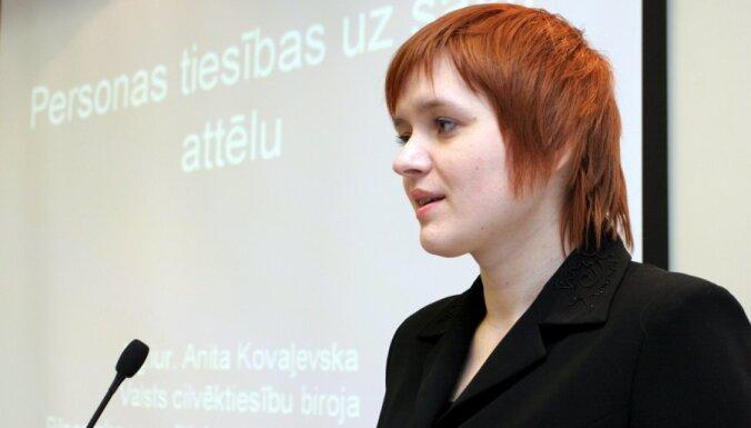 Kovaļevska: Mūrnieces uzdevumā nepieļaut tiesas atļauto gājienu saskatāms tiesiskās valsts apdraudējums