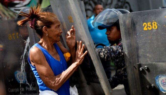 Pārtikas trūkuma izraisītos nemieros Venecuēlā gājuši bojā trīs cilvēki
