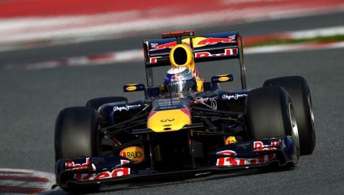 Fetels kļuvis par divkārtēju F1 čempionu