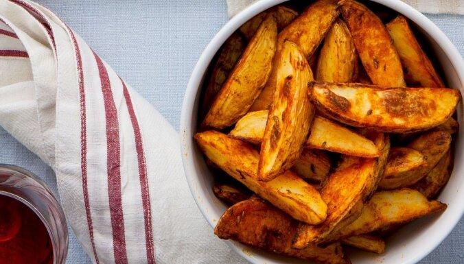Krāsnī ceptas kartupeļu daiviņas