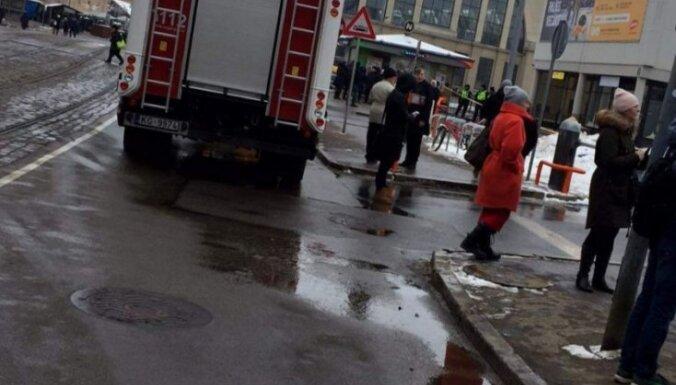 В Риге посетителей эвакуировали из автовокзала и ТЦ Galerija Centrs