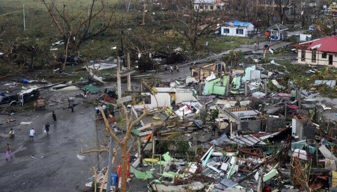 Число жертв супертайфуна на Филиппинах превысило 1200 человек