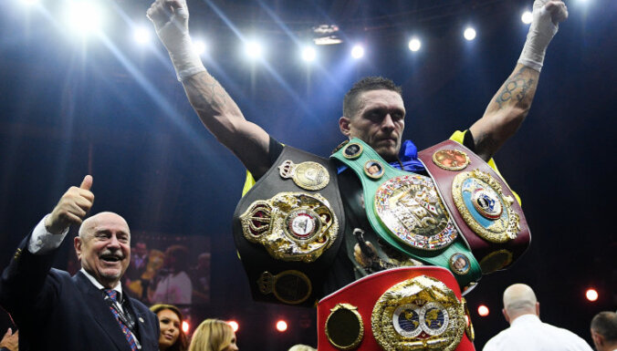 Усик признан лучшим боксером года, а его нокаут в бою с Беллью — лучшим в мире
