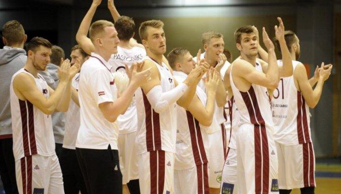 Foto: Latvijas basketbolisti pārbaudes mačā droši uzveic Tunisiju