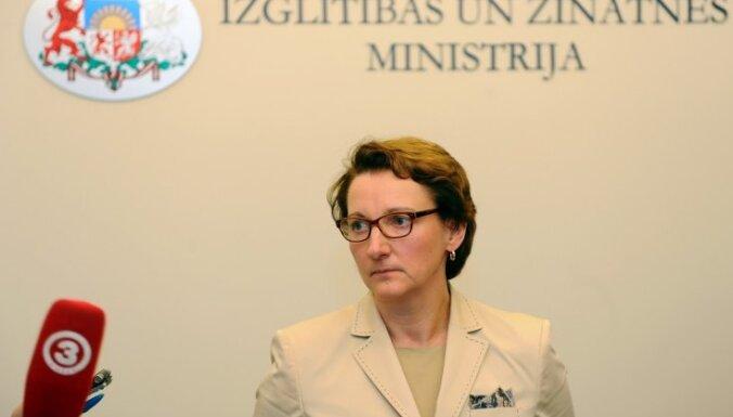Dziesmu svētku skandāls: izglītības un zinātnes ministre Seile vēl nav pieņēmusi lēmumu par demisiju