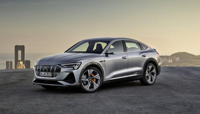 'Audi' ieviesis elektrisko 'e-tron Sportback' ar digitāliem diožu lukturiem