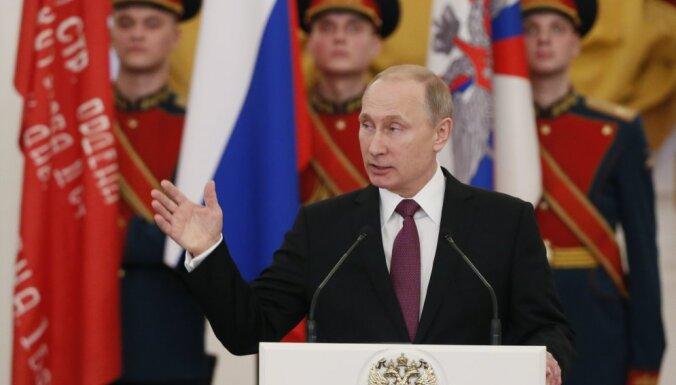 Путин заявил о готовности России дать ответ давлению извне