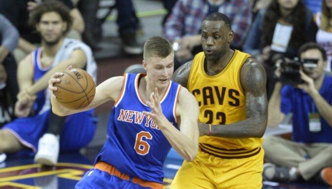 Porziņģim 23 punkti un 'double - double' mačā pret 'Cavaliers'