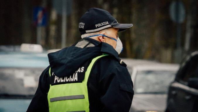 В Даугавпилсе коронавирусом заболел полицейский, все, кто с ним контактировал, здоровы