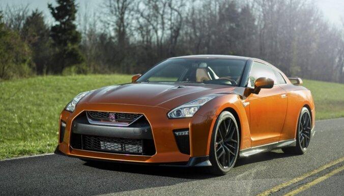 Modernizētais 'Nissan GT-R' kļuvis par 20 ZS jaudīgāks