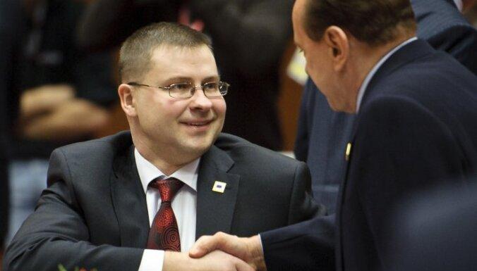 Премьер обсудит отставку с Гайдисом Берзиньшем