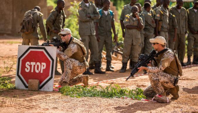 Латвийских военных нет среди захваченных в Мали заложников