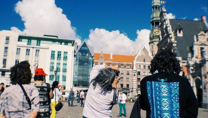 Ассоциация: возобновлению туризма в Латвии мешает запрет на несущественные поездки