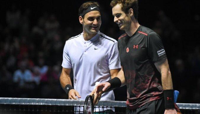 ВИДЕО: Роджер Федерер сыграл в юбке против Энди Маррея