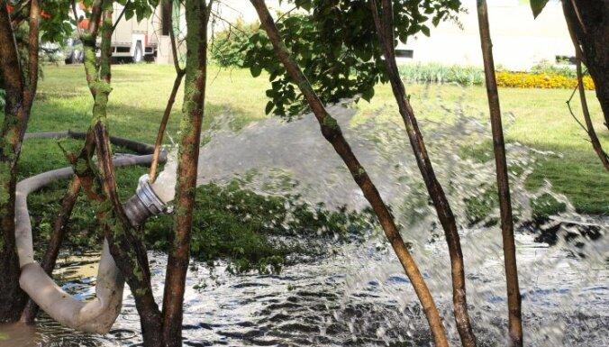 Lietavu izraisītie plūdi lielākos zaudējumus Ventspilī nodarījuši privātmāju saimniekiem