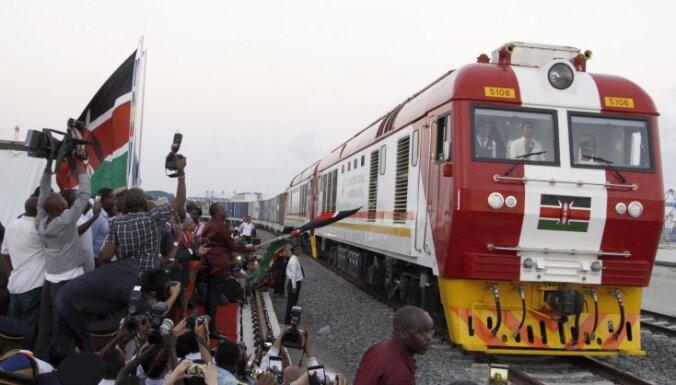 Kenija atklāj Ķīnas apmaksātu dzelzceļa līniju; tās vandāļus sola kārt