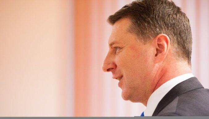 Опрос: из политиков латвийцы наиболее положительно оценивают президента Вейониса