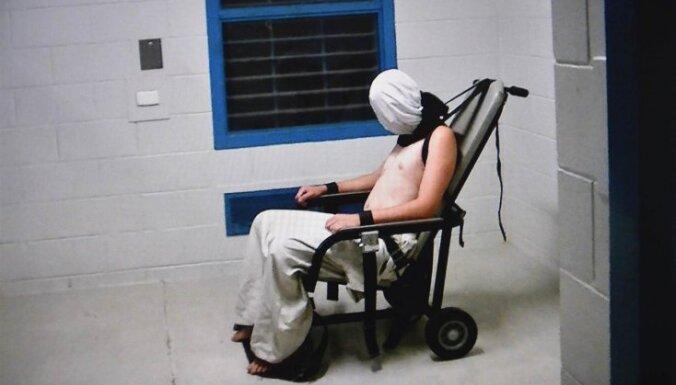 Video: Austrālijā atklāj apsargu cietsirdību nepilngadīgo aizturēšanas centrā