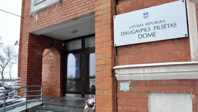 Pēc aptuveni piecu stundu debatēm apstiprina Daugavpils budžetu teju 97,9 miljonu eiro apmērā