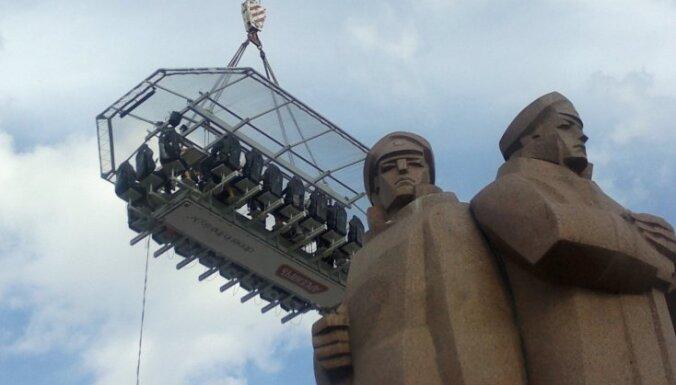 Rīgā atkal viesosies gaisa restorāns 'Dinner in the Sky'
