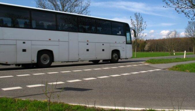 Latvijas iedzīvotāji ievērojami pārmaksā par autobusiem; Somijā braucieni krietni lētāki