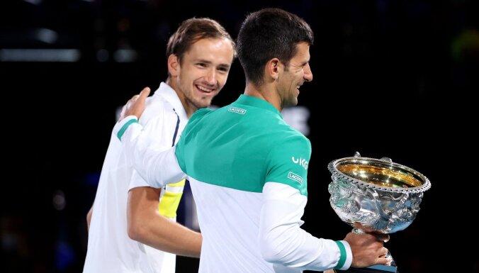 Даниил Медведев проиграл Новаку Джоковичу в финале Australian Open