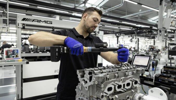'Mercedes-AMG' izstrādājis pasaulē visjaudīgāko četrcilindru motoru