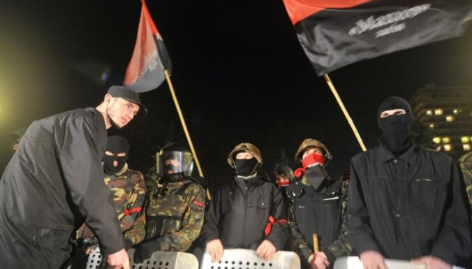 Стрельба на Майдане: милиция оцепила штаб-квартиру Правого сектора