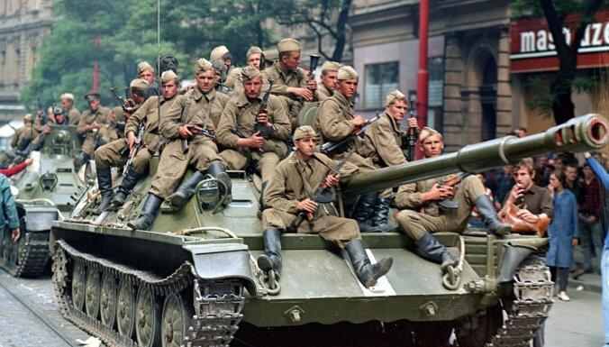 Čehija un Slovākija kritizē Krieviju par tās formulējumu 1968. gada invāzijai