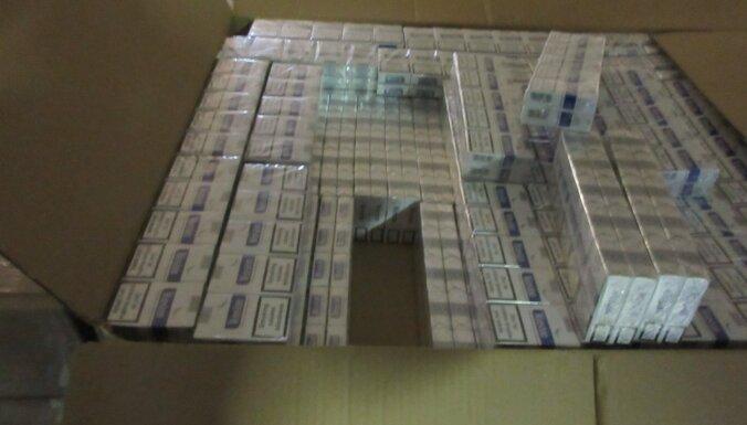 ФОТО. Таможенники обнаружили в порту 6 млн. контрабандных сигарет
