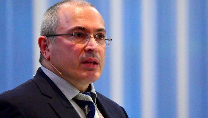 Hodorkovskis pēc 20 darba gadiem slēdz opozīcijas organizāciju 'Atvērtā Krievija'