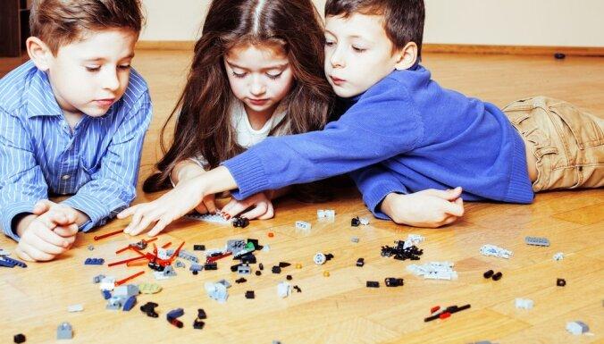 Izglītojošas spēles bērniem – izvēlies, ko palikt zem eglītes šajos Ziemassvētkos