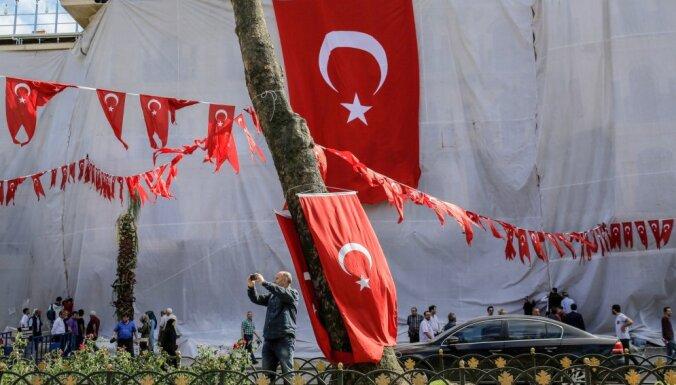 Turcija pieprasa Vācijai paskaidrot tās nodēvēšanu par islāmistu grupējumu 'galveno platformu'