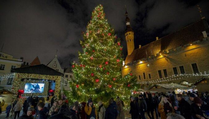 ФОТО, ВИДЕО: Вместо новогоднего салюта Пыхья-Таллин удивил грандиозным световым шоу