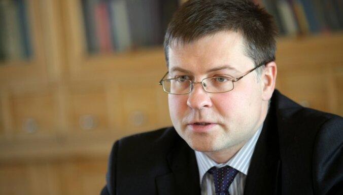 Премьер: референдум о языке расколол латвийское общество