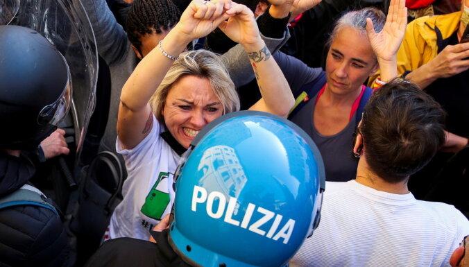 В Риме демонстранты вступили в схватку с полицией