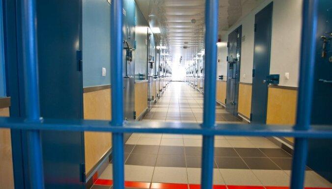 Noziedznieki savus plānus organizē no cietuma, satraucas kriminālpolicija