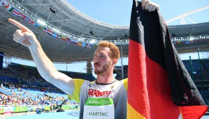 Olimpiskais čempions diska mešanā pieprasa SOK prezidenta demisiju un paredz olimpisko spēļu 'nāvi'