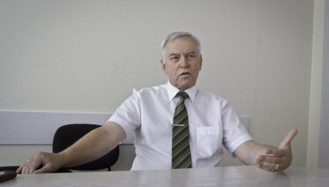 Brigmanim apnicis komentēt koalīcijas pārstāvju ierosinājumus, no kuriem čiks vien sanāk