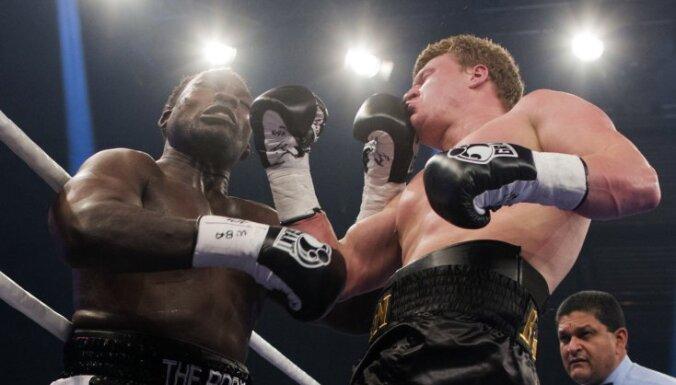 ВИДЕО: Поветкин в тяжелейшем бою нокаутировал Такама