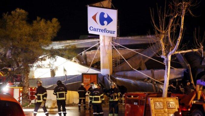 ФОТО и ВИДЕО: в универмаге под Ниццей обрушилась крыша