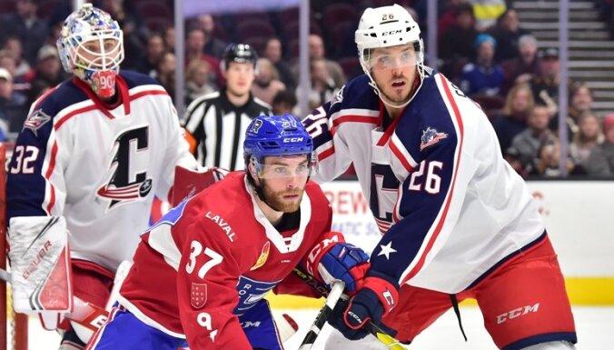 Merzļikins AHL debijā nospēlē stabili, bet piedzīvo zaudējumu