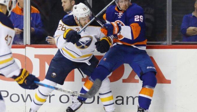 Zemgus Girgensons Sabres vs Brock Nelson Islanders